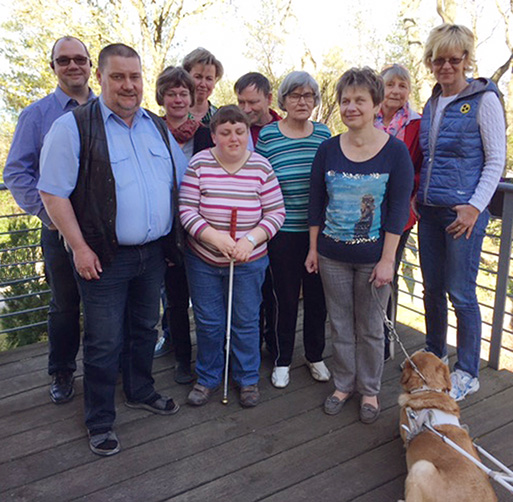 Erstes Treffen der iPhone-Schulungsgruppe in Boltenhagen auf der Terrasse